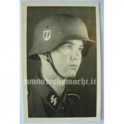 2 foto di un soldato delle...