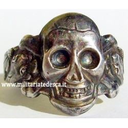 SKULL RING IN SILVER (SOLD)