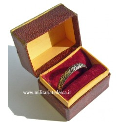SILVER RING WITH CASE