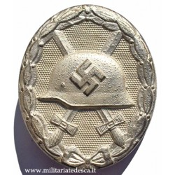 "WOUND BADGE IN SILVER ""107"""