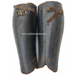 LEATHER GAITERS